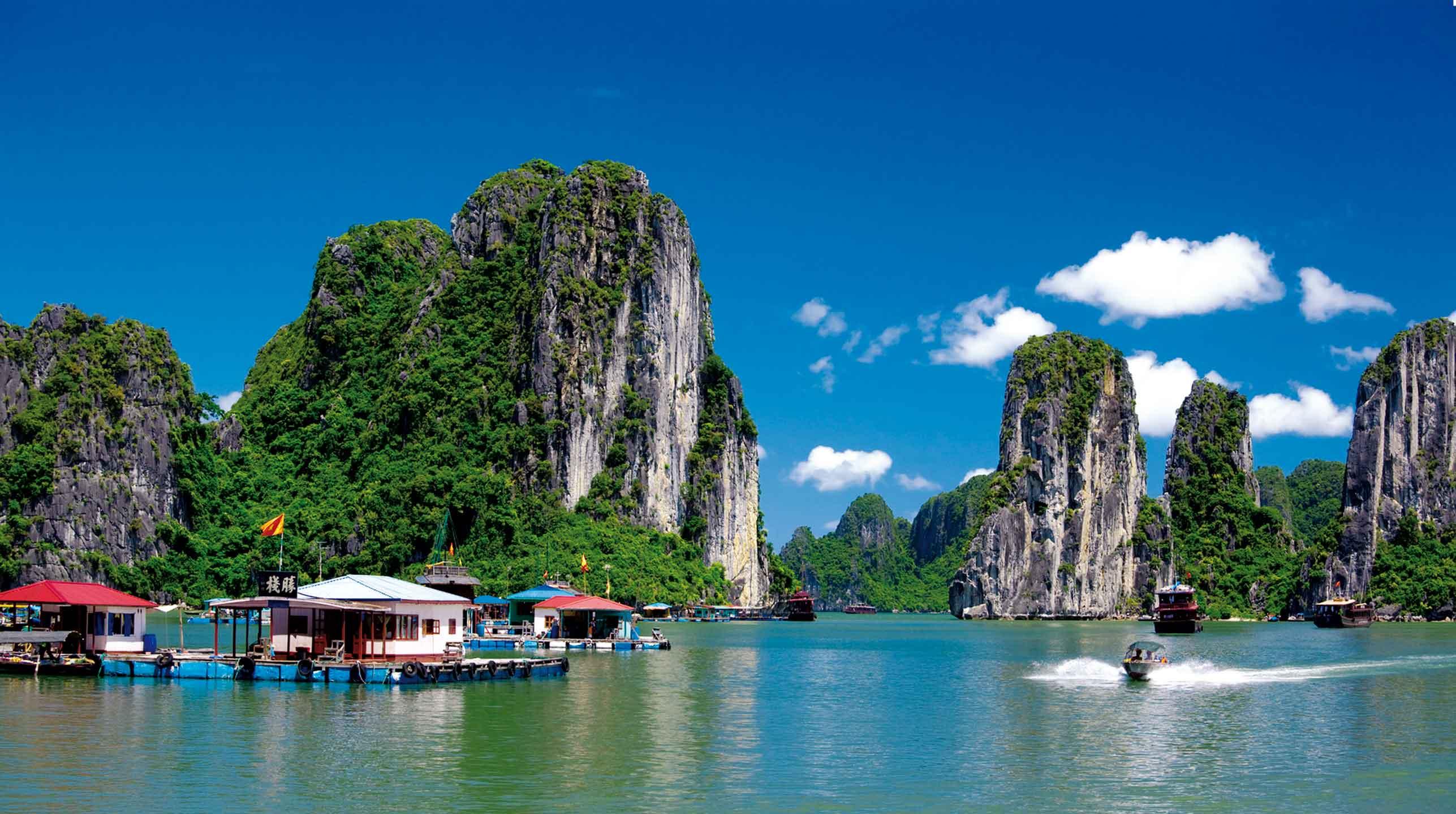 Azja w zwierciadle  wody