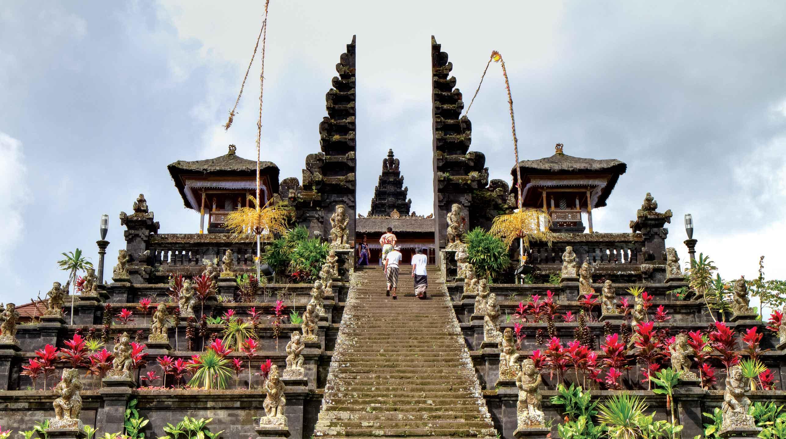 Indonezja – Bali, 50 świąt rocznie