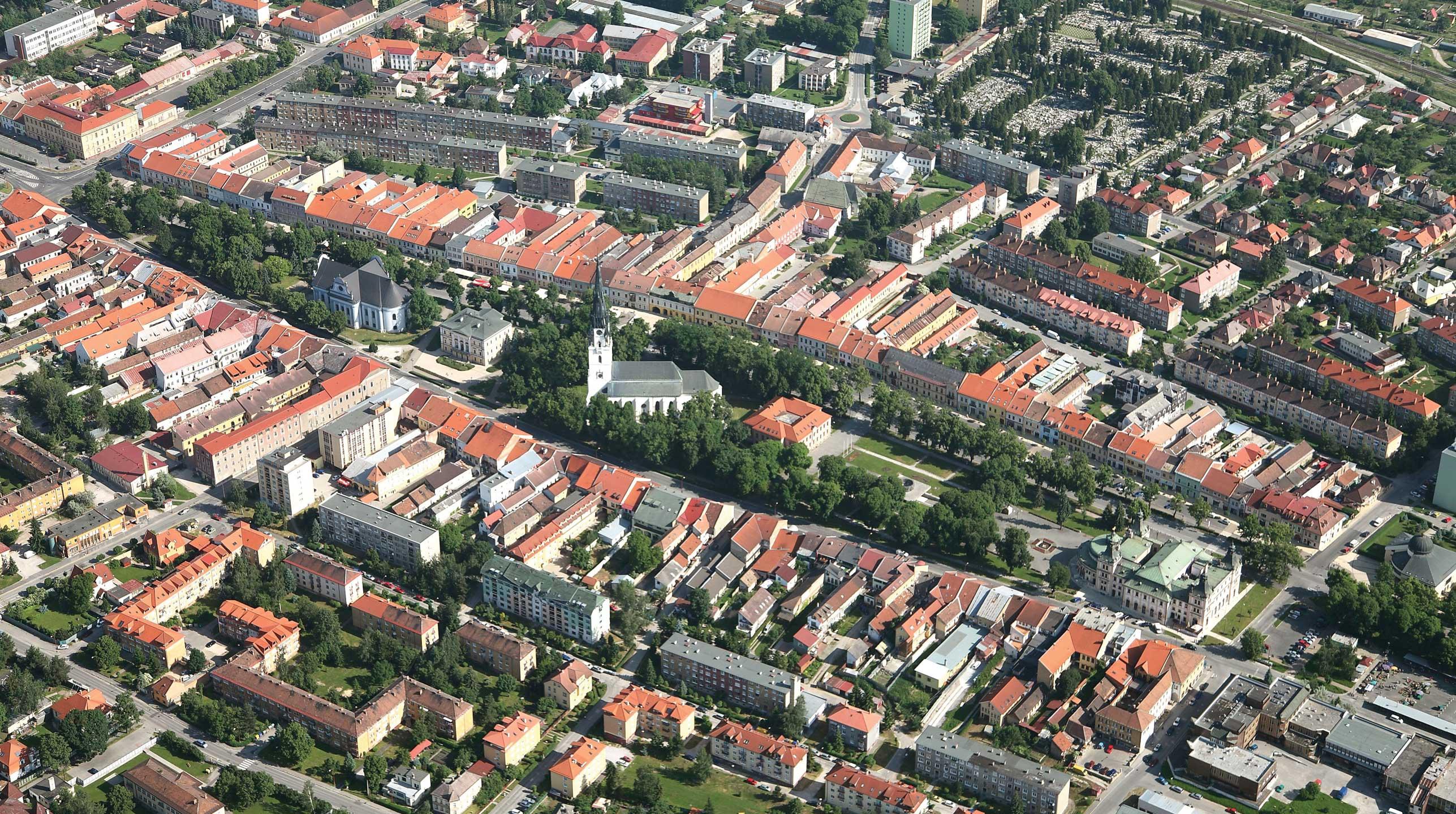 Słowacja – Spiska Nowa Wieś  Miasto uwrót Raju