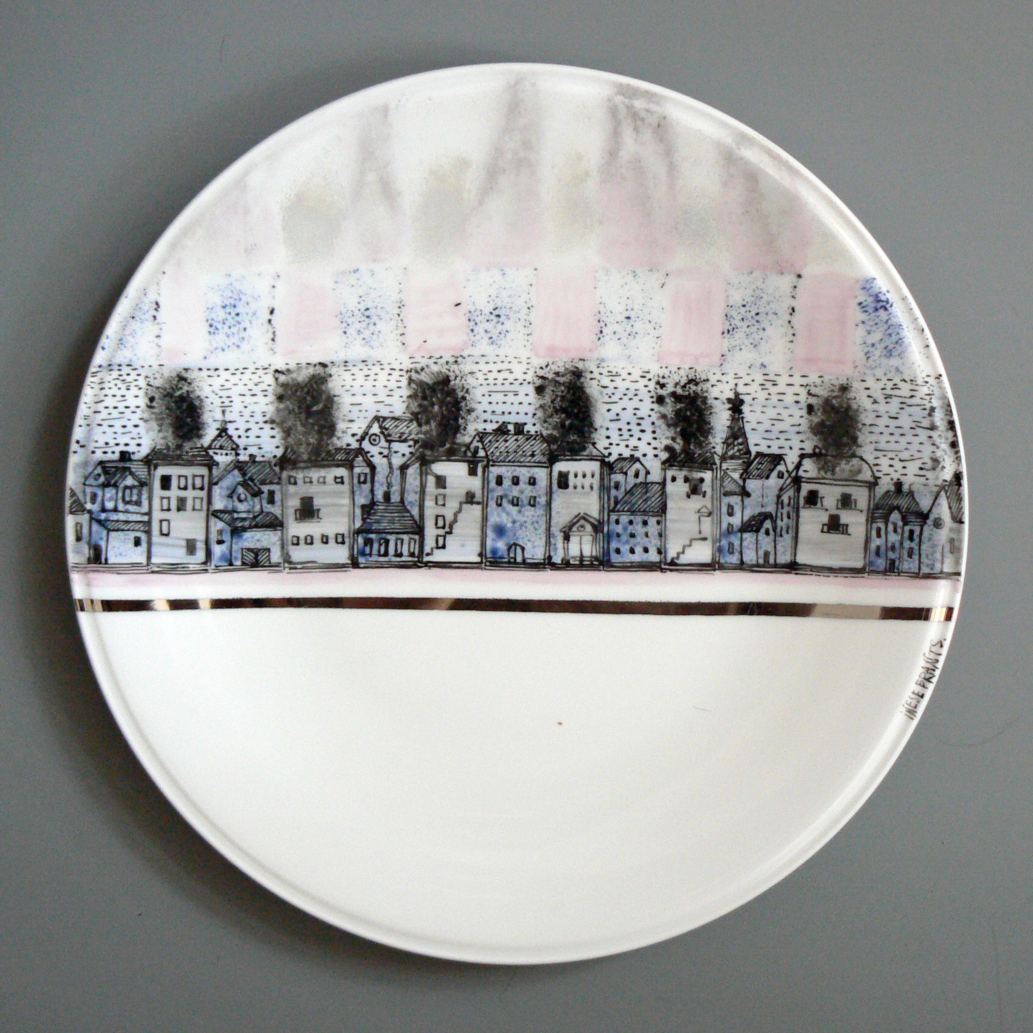 """22 ceramików z 9 krajów pokazuje swoje prace w Warszawie na Międzynarodowej wystawie ceramiki """"Ceramiczna jesień narodów"""""""