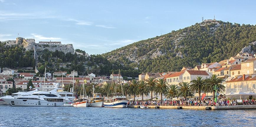 Wyspa Hvar rywalizuje o miano najlepszej destynacji w Europie!